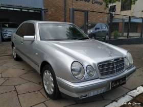 MERCEDES BENZ E 320 1999 - EXCELENTE ESTADO
