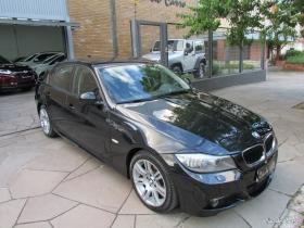 BMW/318 I, AUTOMÁTICA, COM MULTIMÍDIA, 82 MIL KM