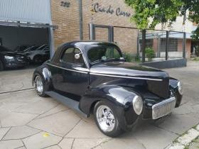 RÉPLICA DE UMA WILLYS 1941 COM MOTOR V8 302 FORD