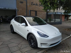 TESLA MODEL Y PERFORMANCE AWD ELÉTRICO, ZERO KM, A PRONTA ENTREGA, ÚNICO NO RS